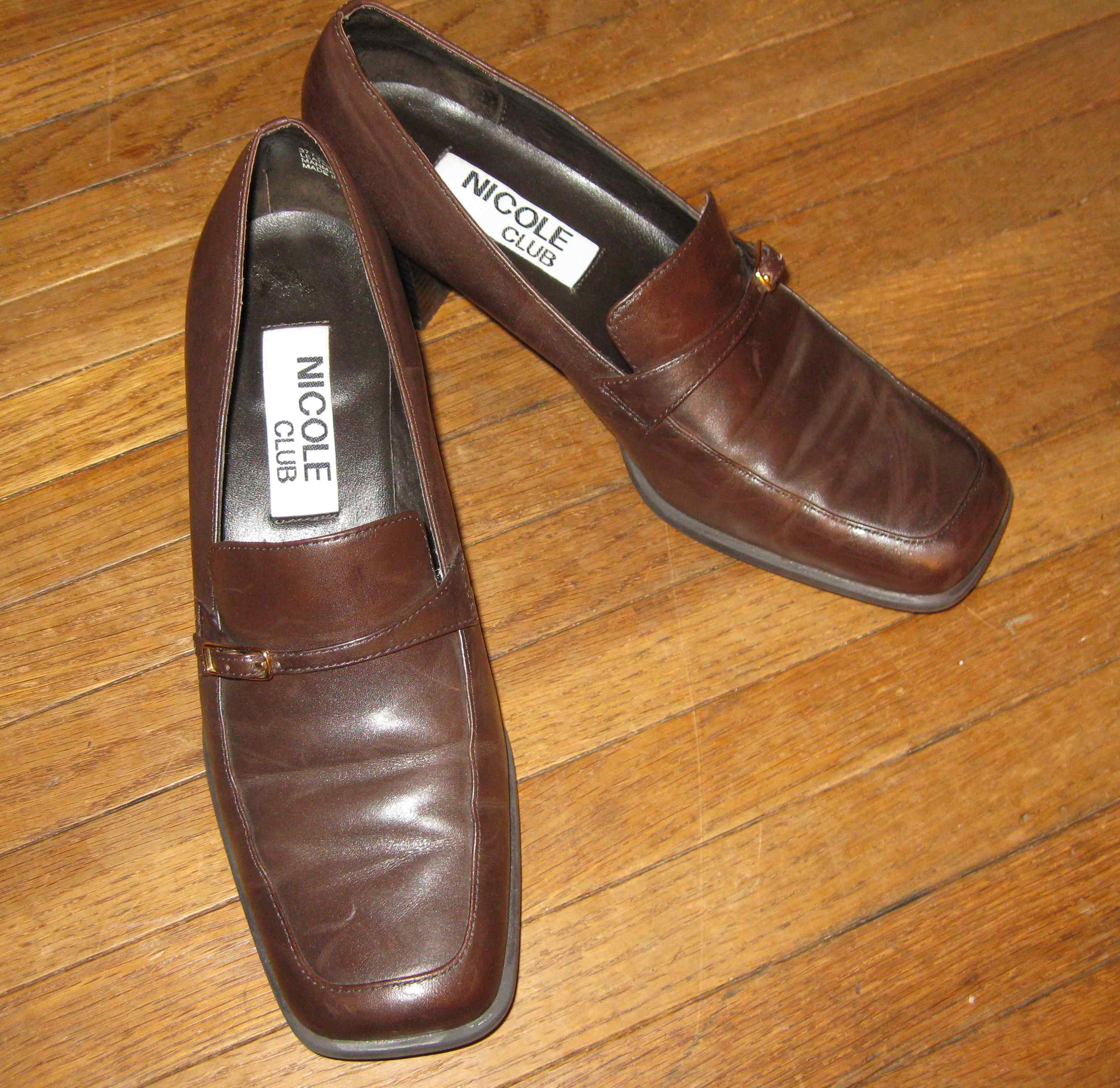 $6 shoes Better Brands consignment shop